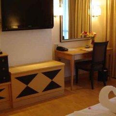 Отель Four Wings Бангкок удобства в номере фото 2