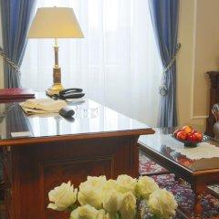 Отель Bristol Palace в номере