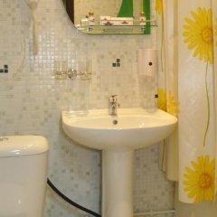 Гостиница Александр Хаус в Барнауле 1 отзыв об отеле, цены и фото номеров - забронировать гостиницу Александр Хаус онлайн Барнаул ванная