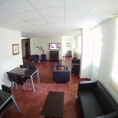 Отель Residencial Sete Cidades Португалия, Понта-Делгада - отзывы, цены и фото номеров - забронировать отель Residencial Sete Cidades онлайн интерьер отеля фото 3