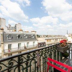 Отель Balcony Bliss steps from the Bois de Boulogne балкон