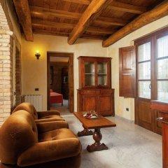 Отель Farmhouse Located in the Beautiful Aulla in Northern Tuscany Аулла комната для гостей фото 3