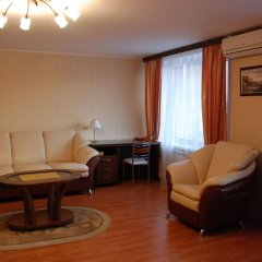 Гостиница Киевская на Курской комната для гостей