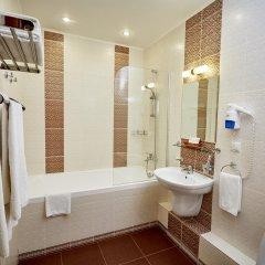 Гостиница Калуга Плаза в Калуге 12 отзывов об отеле, цены и фото номеров - забронировать гостиницу Калуга Плаза онлайн ванная