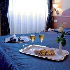 Отель Laura в номере