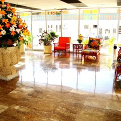 Sands Acapulco Hotel & Bungalows интерьер отеля