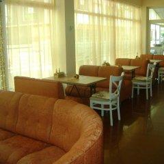 Отель Family Hotel Diana Болгария, Поморие - отзывы, цены и фото номеров - забронировать отель Family Hotel Diana онлайн интерьер отеля