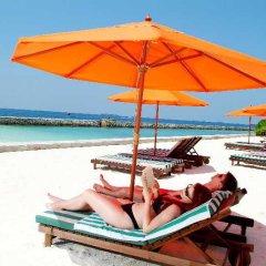 Отель Hulhule Island Hotel Мальдивы, Мале - отзывы, цены и фото номеров - забронировать отель Hulhule Island Hotel онлайн пляж