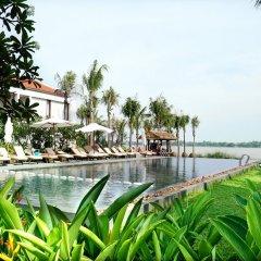 Отель Vinh Hung Emerald Resort пляж