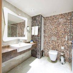Crystal Sunset Luxury Resort & Spa Турция, Сиде - 1 отзыв об отеле, цены и фото номеров - забронировать отель Crystal Sunset Luxury Resort & Spa - All Inclusive онлайн ванная фото 2