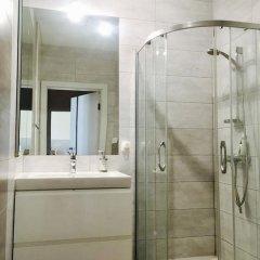 Отель ClickTheFlat Artistic Estate Apartment Польша, Варшава - отзывы, цены и фото номеров - забронировать отель ClickTheFlat Artistic Estate Apartment онлайн ванная
