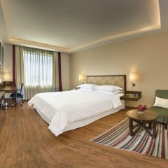 Отель Four Points by Sheraton New Delhi, Airport Highway комната для гостей фото 4