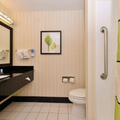Отель Fairfield Inn And Suites By Marriott Columbus West Колумбус ванная