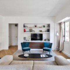 Отель Outstanding luxury apt - Louvre Франция, Париж - отзывы, цены и фото номеров - забронировать отель Outstanding luxury apt - Louvre онлайн комната для гостей фото 4