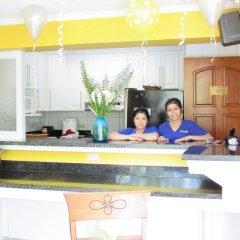 Отель Aparthotel Guijarros Гондурас, Тегусигальпа - отзывы, цены и фото номеров - забронировать отель Aparthotel Guijarros онлайн бассейн фото 2