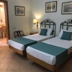 Отель Kennedy Nova Гзира сейф в номере