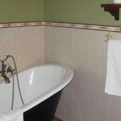 Отель Posada El Jardin de Angela Испания, Сантандер - отзывы, цены и фото номеров - забронировать отель Posada El Jardin de Angela онлайн ванная фото 2