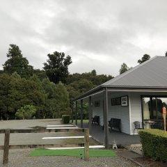 Отель Lake Brunner Accommodation and Golf Course балкон