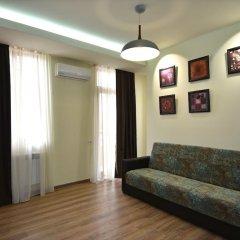 Апартаменты Gallery Apartment A комната для гостей фото 4