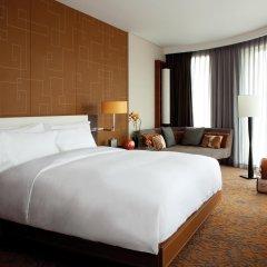 Отель Langham Xintiandi Шанхай комната для гостей