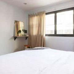 Отель Adelis 55 Бангкок комната для гостей фото 2