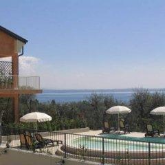 Отель Residence Il Fiore Del Garda Манерба-дель-Гарда ванная фото 2