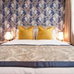 Отель W12 Rooms сейф в номере