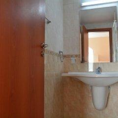 Отель Africana Болгария, Свети Влас - отзывы, цены и фото номеров - забронировать отель Africana онлайн ванная