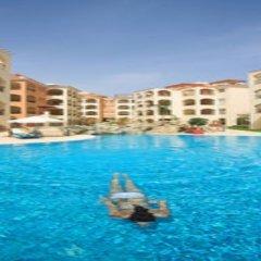 Отель Adamou Gardens бассейн