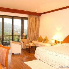 Отель Earl's Regency комната для гостей
