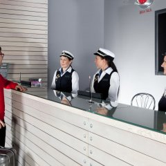 Гостиница Маринс Парк в Екатеринбурге - забронировать гостиницу Маринс Парк, цены и фото номеров Екатеринбург сауна