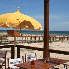 Отель Penina Hotel & Golf Resort Португалия, Портимао - отзывы, цены и фото номеров - забронировать отель Penina Hotel & Golf Resort онлайн пляж фото 2