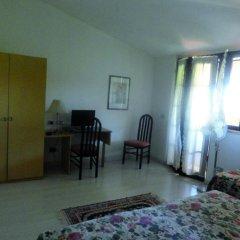 Hotel Tenesi Манерба-дель-Гарда удобства в номере