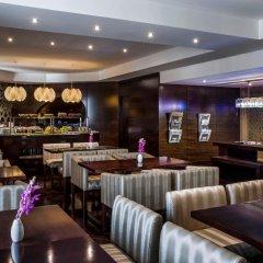 Отель Crowne Plaza Dubai - Deira Дубай гостиничный бар