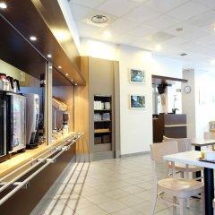 Отель B&B Hôtel Marseille Centre La Joliette Франция, Марсель - 2 отзыва об отеле, цены и фото номеров - забронировать отель B&B Hôtel Marseille Centre La Joliette онлайн питание фото 2