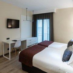 Отель Catalonia Castellnou комната для гостей фото 3