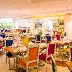 Отель Coral Beach Resort - Sharjah ОАЭ, Шарджа - 8 отзывов об отеле, цены и фото номеров - забронировать отель Coral Beach Resort - Sharjah онлайн питание фото 3