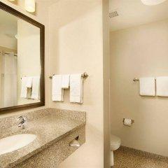 Отель Drury Inn & Suites St. Louis Brentwood ванная фото 2