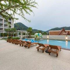 Отель Ramada by Wyndham Phuket Deevana Patong бассейн фото 8
