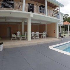 Отель Summerhill, 8BR by Jamaican Treasures Ямайка, Монтего-Бей - отзывы, цены и фото номеров - забронировать отель Summerhill, 8BR by Jamaican Treasures онлайн бассейн