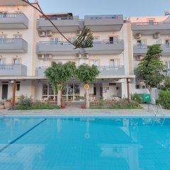 Marirena Hotel бассейн
