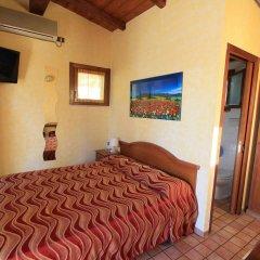 Отель Holiday Village Фонди комната для гостей фото 2