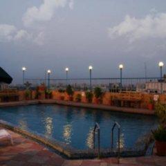 Отель Lords Plaza бассейн