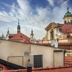 Отель Incredible 2Br Loft in Heart of Prague балкон