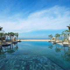 Отель Meliá Ho Tram Beach Resort бассейн