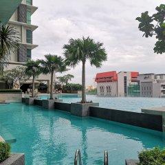 Отель Pearl Suites Swiss Garden Residences Малайзия, Куала-Лумпур - отзывы, цены и фото номеров - забронировать отель Pearl Suites Swiss Garden Residences онлайн бассейн фото 2