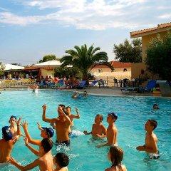 Отель Village Mare Греция, Метаморфоси - отзывы, цены и фото номеров - забронировать отель Village Mare онлайн бассейн