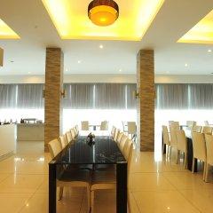 Отель Aunchaleena Grand Бангкок питание