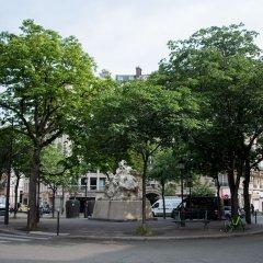 Отель Contemporary near Arc de Triomphe Париж парковка