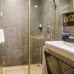 Q - City Hotel ванная